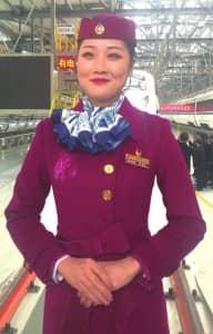 19岁的西成高铁女乘务员